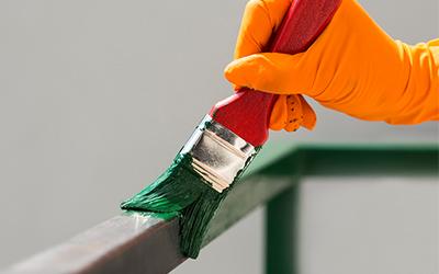 festék felvitele az előkészített felületre