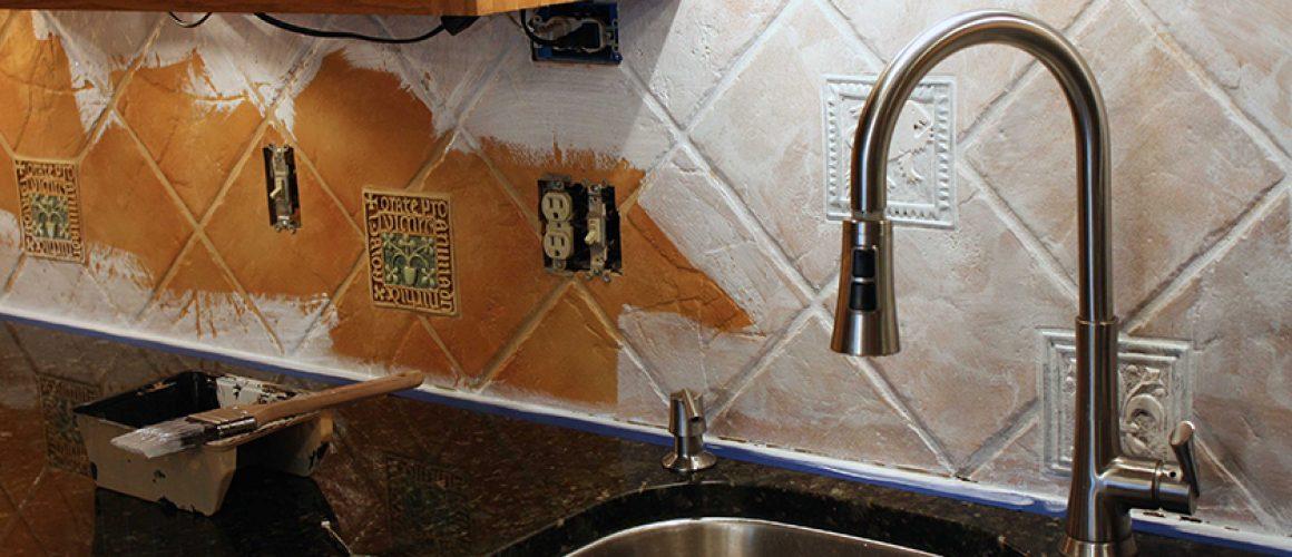 bontás nélküli csempe felújítás beltéri falfestékkel
